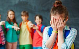víctima de acoso escolar
